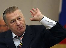 Жириновский призывает запретить продажу алкоголя в самолетах
