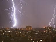 В Киеве восемь человек поражены молнией