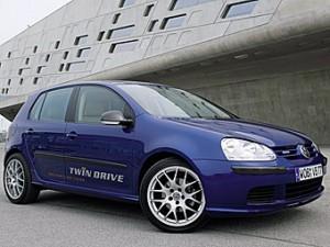 VW создал на базе Golf подзаряжающийся от розетки гибрид (3 фото)