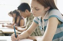 Выпускники после дополнительных тестов не успевают поступить