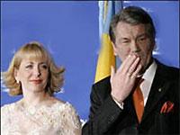 Ющенко с женой отбыл в Литву