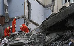В Китае спасен мужчина, пробывший под завалами рухнувшего дома 11 дней