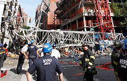 При строительстве небоскреба в Нью-Йорке упал кран, есть жертвы