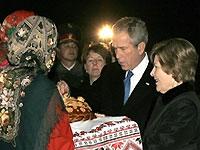 В Киеве проходит официальная церемония встречи Ющенко и Буша