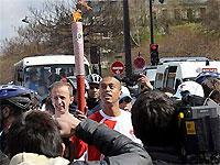 Олимпийский факел был потушен из соображений безопасности