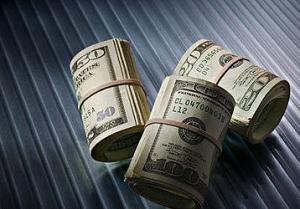 Наличный доллар в Киеве - 8,23