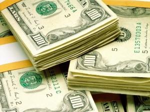 Торги на межбанке проходят на уровне 8,05-8,14 гривен за доллар