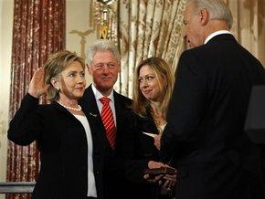 Хиллари Клинтон вступила в должность госсекретаря США