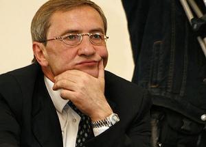 БЮТ предлагает Черновецкому добровольно сложить полномочия