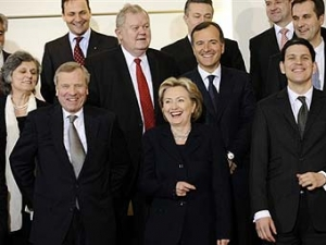 НАТО официально возобновило отношения с Россией