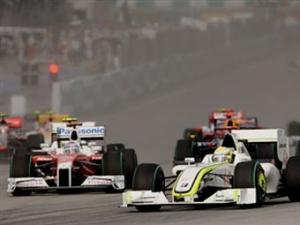 """Гонщики """"Формулы-1"""" выступили за перенос вечерних гонок"""