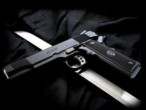 Глава СБУ выступил против свободной продажи травматического оружия
