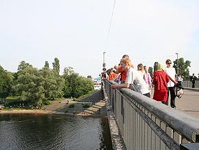 Киевские власти запретили въезд в Гидропарк и на Труханов остров