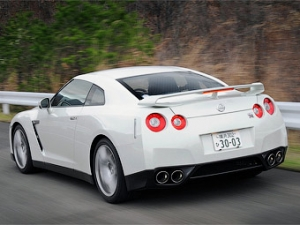Nissan GT-R в четвертый раз улучшил свой рекорд круга на Нюрбургринге
