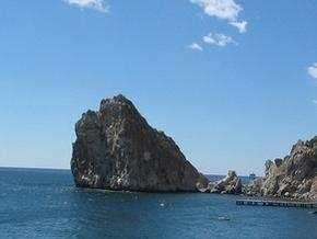 В Крыму сорвалась со скалы и погибла туристка