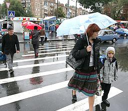 Завтра в Украине тепло, местами дожди