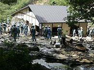 Число жертв землетрясения в Японии возросло до десяти человек