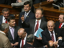 Яценюк закрыл утреннее заседание Рады