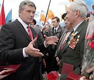 Ветераны торжественно прошли по Крещатику