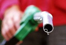 В Днепропетровске цена на бензин пересекла отметку в шесть гривен