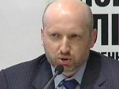 Турчинов назвал избирательную кампанию традиционно грязной