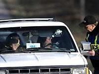 Китайские полицейские задержали безрукого водителя