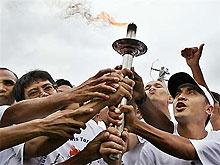Олимпийский огонь прибыл в Индонезию