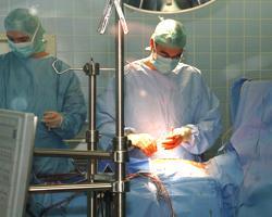 В Мексике больным во время хирургических операций показывают фильмы