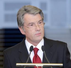 Ющенко просит КС безотлагательно разобраться с увольнением Стельмаха