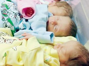 В 2008-ом впервые рождаемость превысила смертность сразу в трех регионах