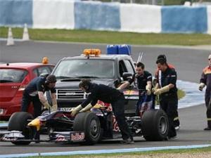 У Red Bull RB5 возникли проблемы с коробкой передач