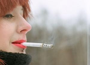 За курение на территории вузов студентов начали лишать стипендий