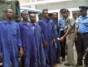 Немецкие военные передали властям Кении 9 сомалийских пиратов