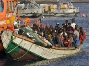 У берегов Ливии затонуло судно с мигрантами: сотни пропали без вести