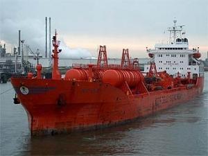 Сомалийские пираты захватили два танкера из Европы