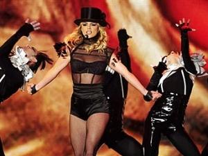 Бритни Спирс прервала концерт из-за марихуаны