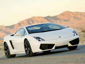 Продажи автомобилей Lamborghini снизились на треть