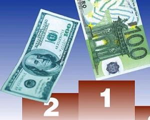 На межбанке растут доллар и евро