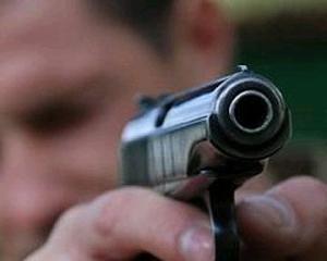 В Киеве среди белого дня стреляли и ограбили бизнесмена