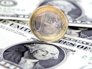 В Нацбанке заявляют, что валютный курс является сбалансированным