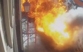Жителей Амстердама напугал огненный столб из-под земли: появилось жуткое видео