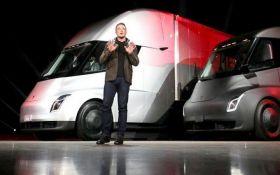 Фантастический транспорт: Маск похвастался подземным скоростным электробусом