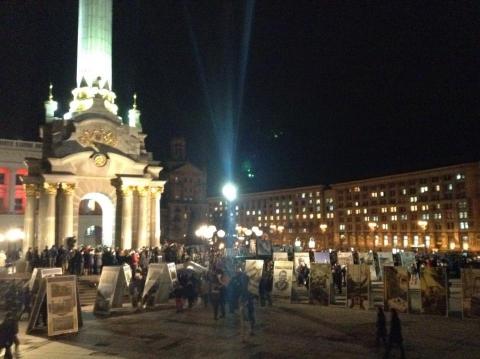 На Майдане собралось 2 тыс. человек почтить память Кузьмы Скрябина (4 фото) (3)