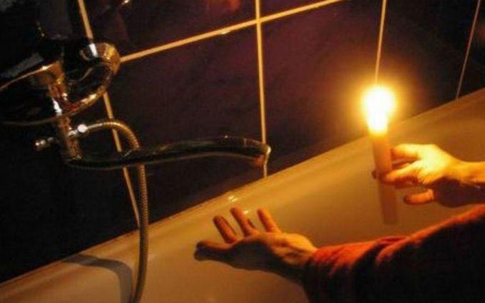 """Жителі """"ЛНР"""" залишилися без води, світла і мобільного зв'язку: що відбувається в ОРЛО"""