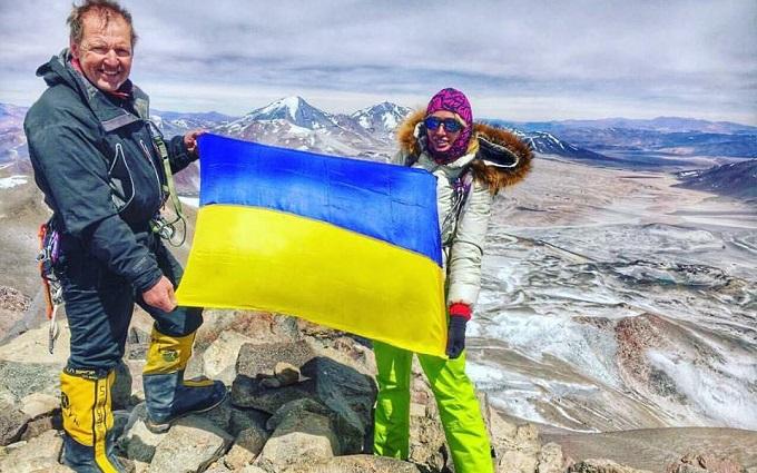 Найвищу гору Землі вперше підкорила українка: опубліковані фото