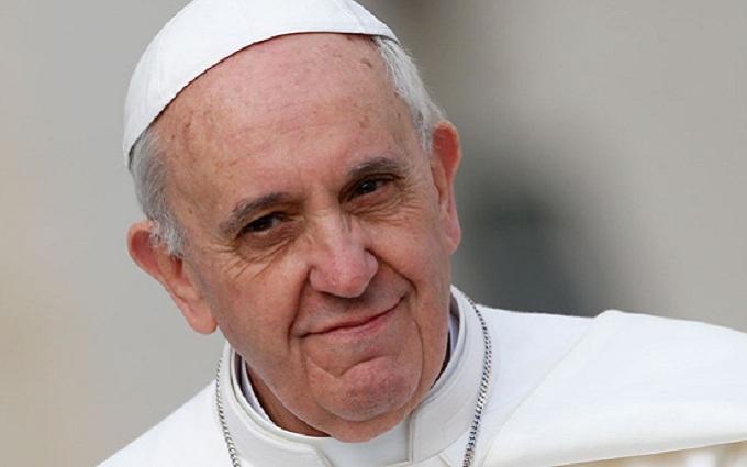 Папа Римський знепритомнів прямо під час меси: з'явилося відео