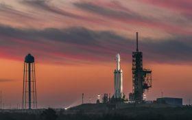SpaceX снова отложила запуск спутников для глобального интернета: названа причина