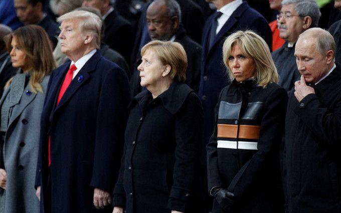Перші рукостискання: Путін і Трамп зустрілися вПарижі