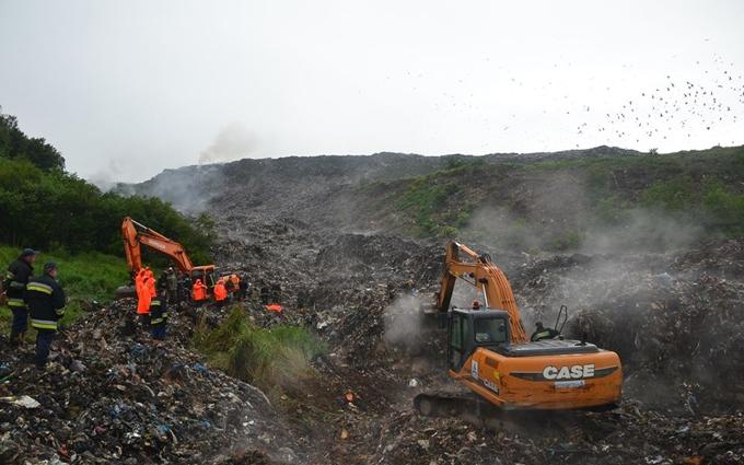 Трагедия на львовской свалке: спасательные работы остановлены