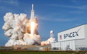 Запуск в космос електромобіля Tesla розбурхав соцмережі